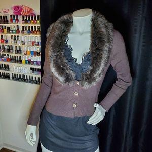 Brown cardigan with fur